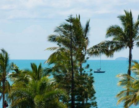Airlie-Beach-Heart-Hotel-Resort-21