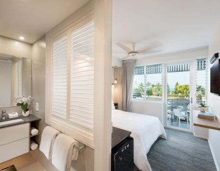 Luxury-Room-Apartments-Airlie-Beach-3